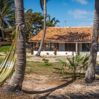 Holiday House Atins